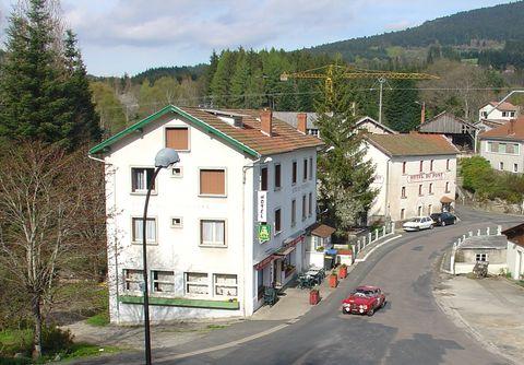 Le Bourg Et Son Htel Des Touristes